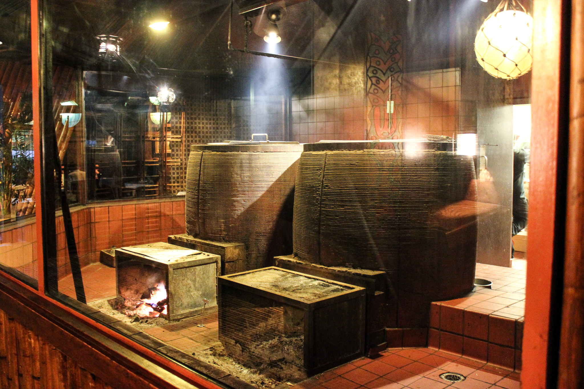 The Chinese wood-fire ovens at Trader Vic's in Atlanta (c) Anna Lanfreschi
