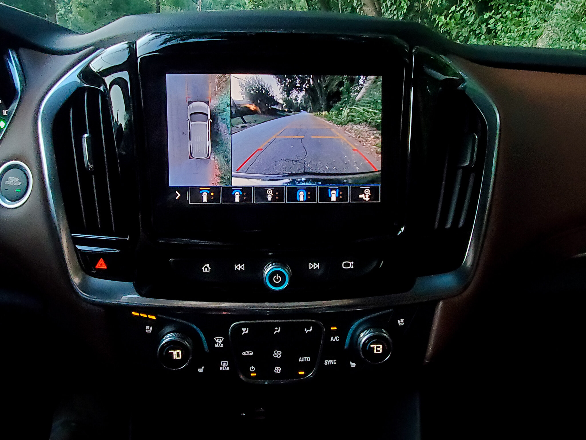 Surround Vision gives the driver a 360-degree view of the exterior of the Chevy Traverse (c) Anna Lanfreschi