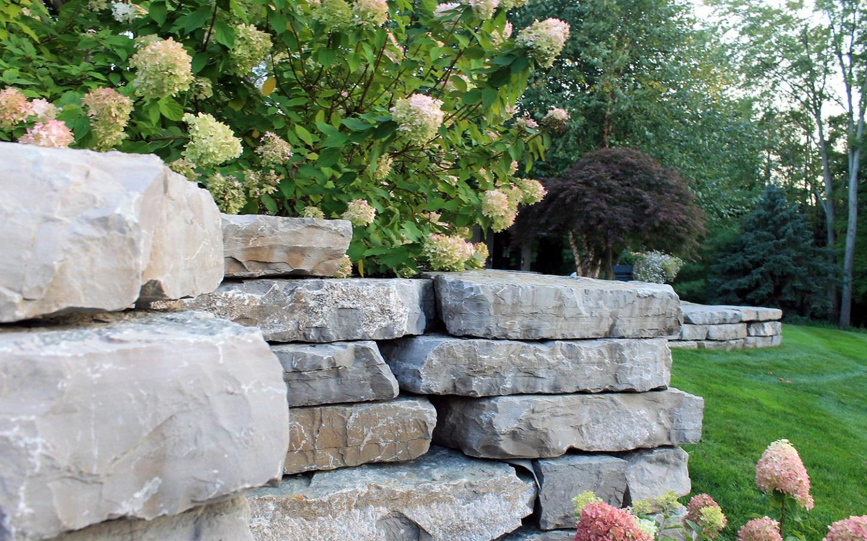 Landscape design in Grosse Pointe MI with top boulders