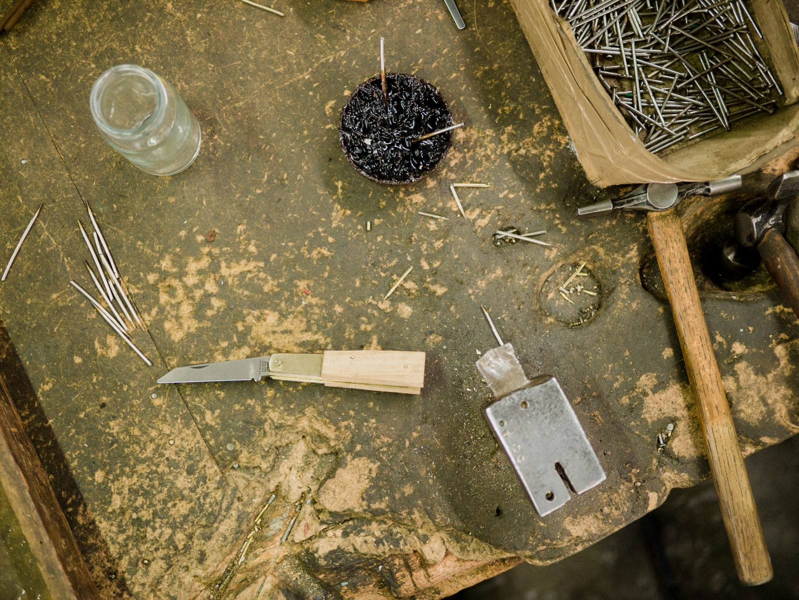 Sheffield Pocket Knife work bench © The Level Collective.jpeg