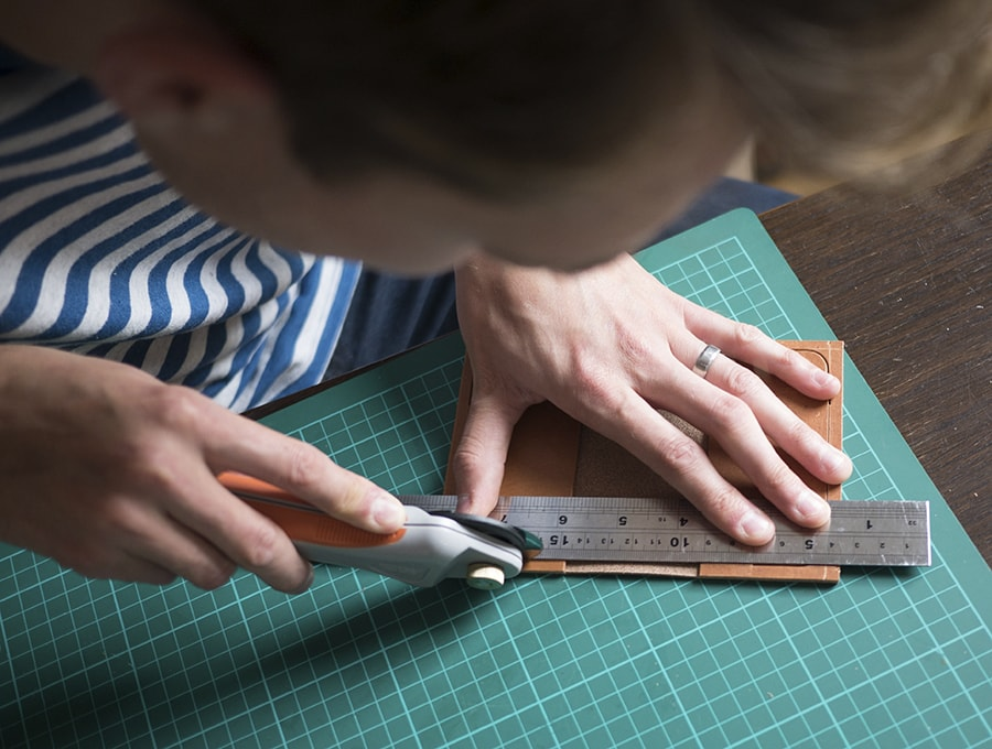 cutting-leather-flat-leather-x-the-level-collective.jpg