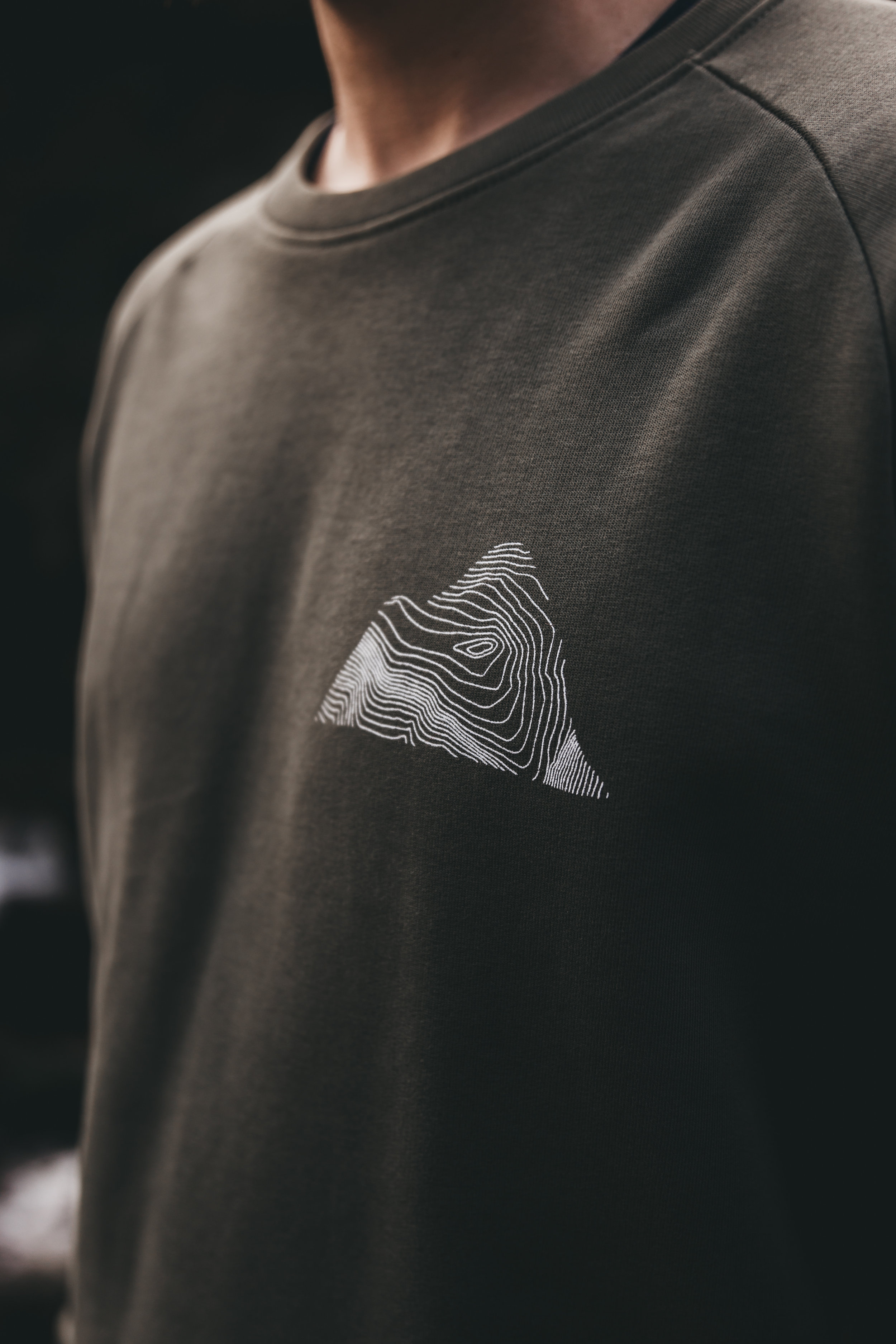 Peaks sweater khaki the level collective close up.jpg