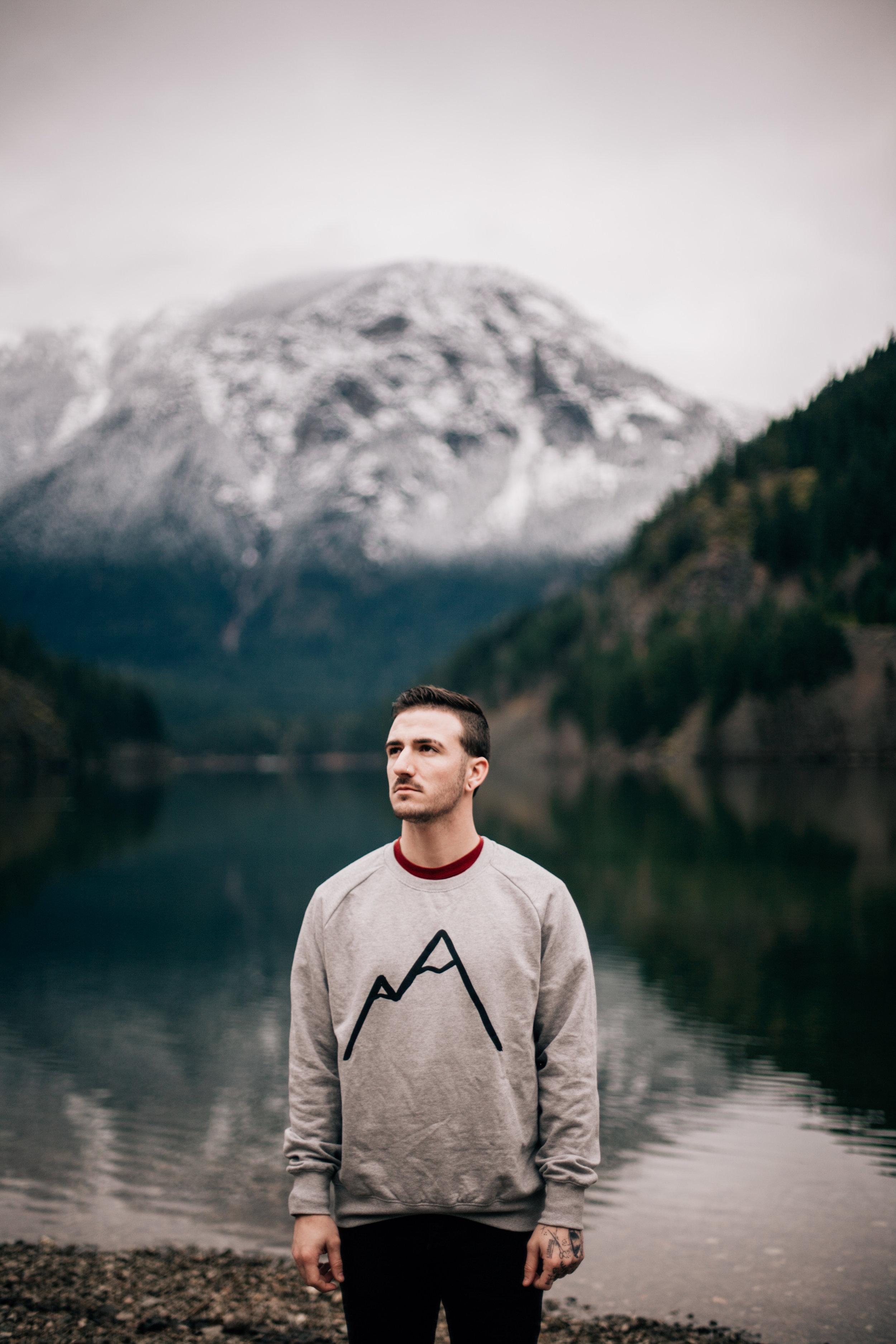 Simple-Mountain-grey-organic-cotton-sweater-unisex.jpg