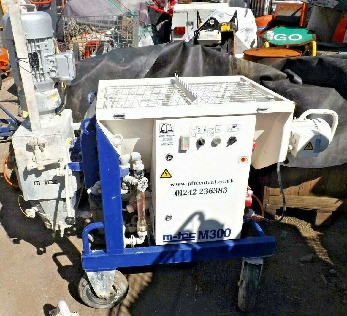 M-Tec Screeding Machine - Used - M-Tec M300 Plastering / Rendering / Screeding MachineMachine Comes With Accessories Pictured