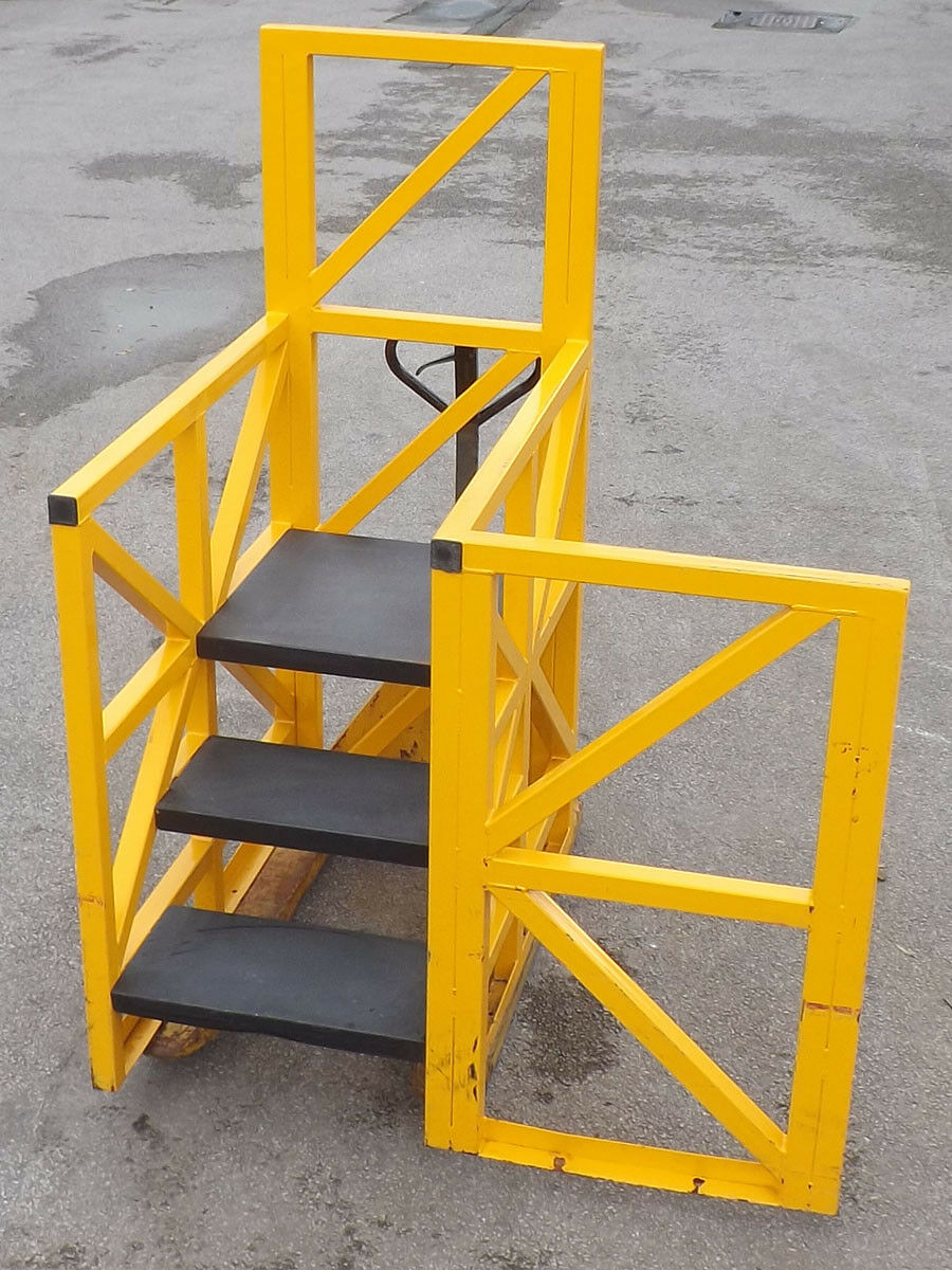 Safety Steps For Machine Access - Used - Yellow Safety Machine Access Stairs72cm Platform Height, Steel Frame