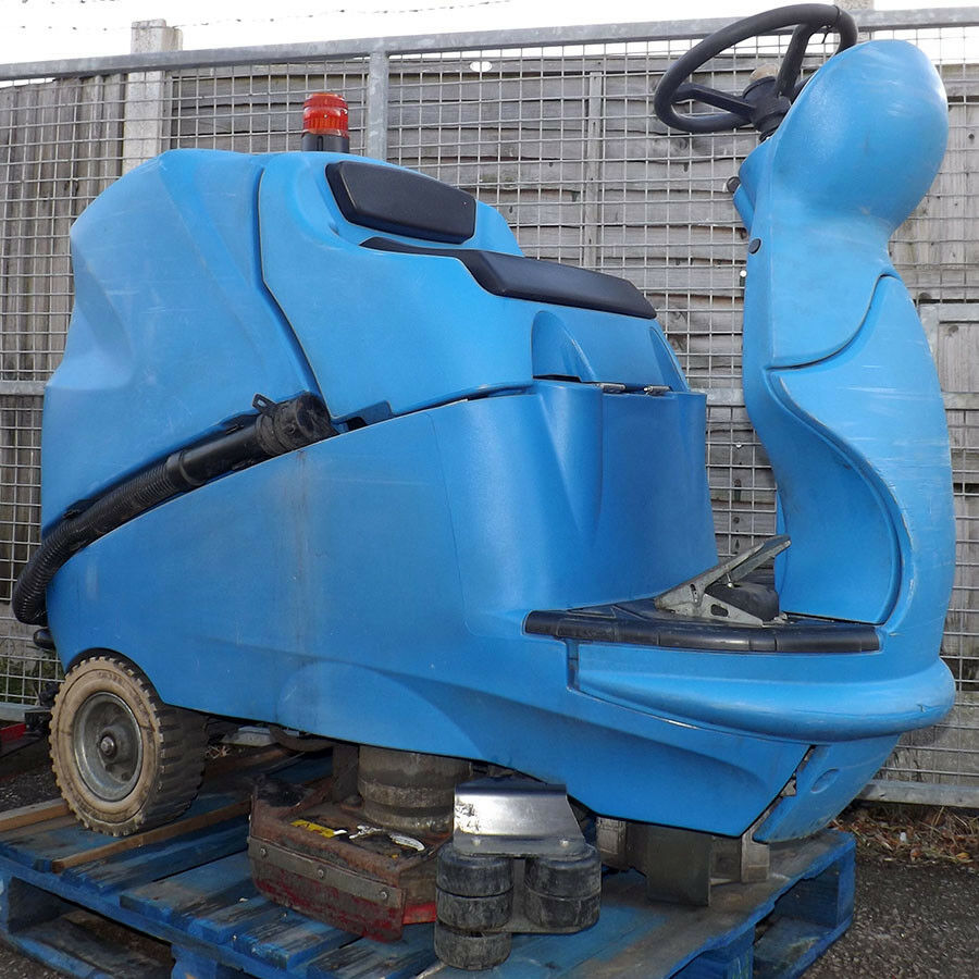 Ride On Floor Cleaner - Used - IPC CLT 160 BT 70 Scrubber Dryer Ride On Floor CleanerIndustrial Floor Cleaner - 36V Battery Powered