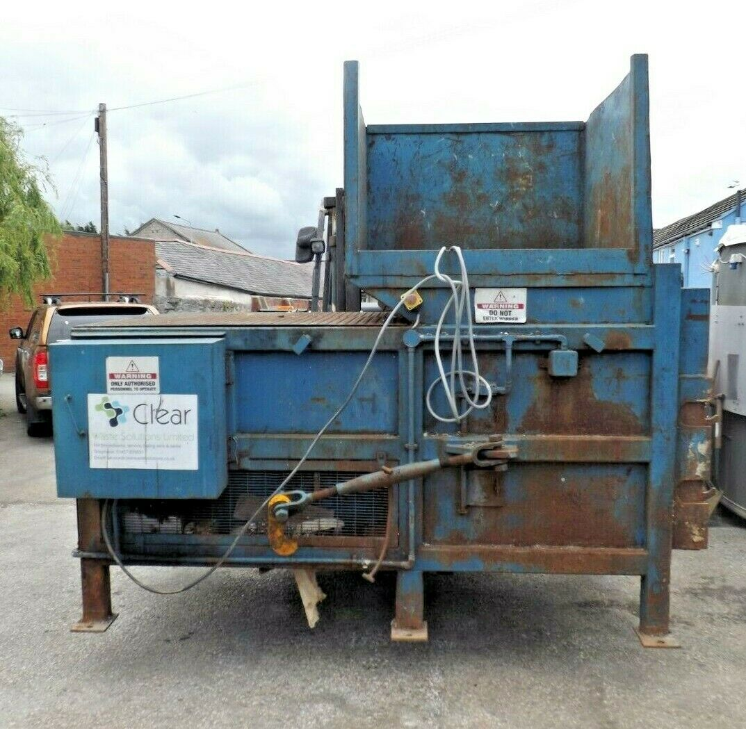 - Skip Compactor CWS200 2001014 Approx 3 Ton Static Compacting Machine Hopper
