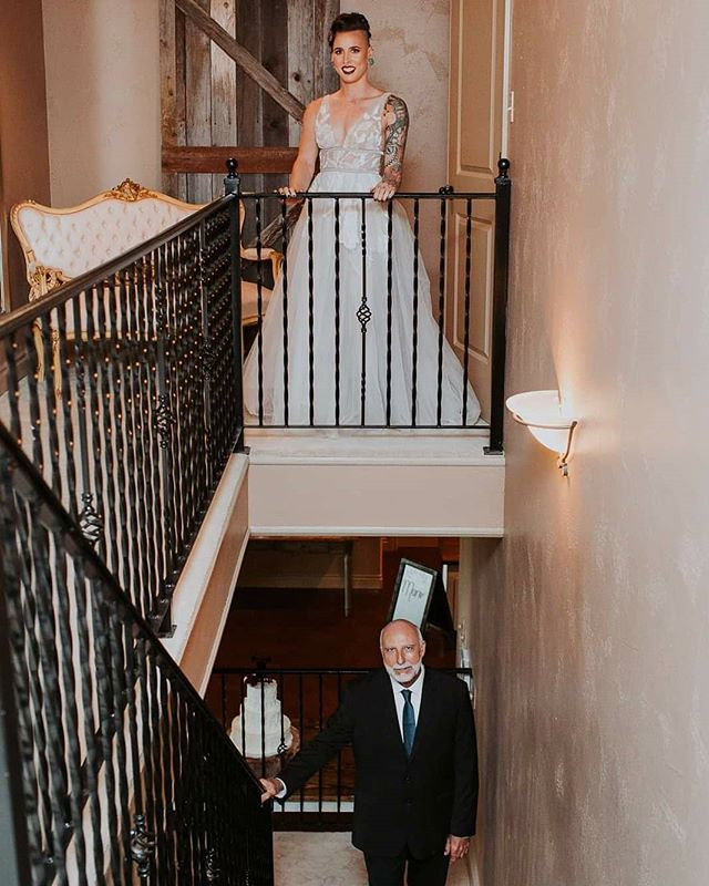 Swipe to see Danielle's first look with her dad. ❤ 📷 @katiaforerophotography . . . . #firstlook #fatherofthebride #daddysgirl #weddingcountrybastrop #weddingcountry #theknottexas #theknot #bridesofhouston #bridesofaustin