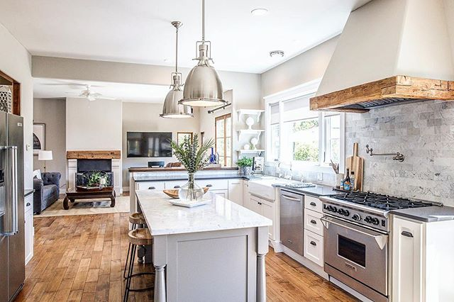 Couldn't you imagine cooking up an amazing Easter meal in this gorgeous kitchen? New listing coming soon... . . . . . . #santacruz #santacruzbeachboardwalk #santacruzlife #santacruzlivin #santacruzliving #santacruzrealestate #santacruzrealtor #santacruzbeach #santacruzbeachhouse #santacruzbeachhomes #capitola #capitolabeach #capitolavillage