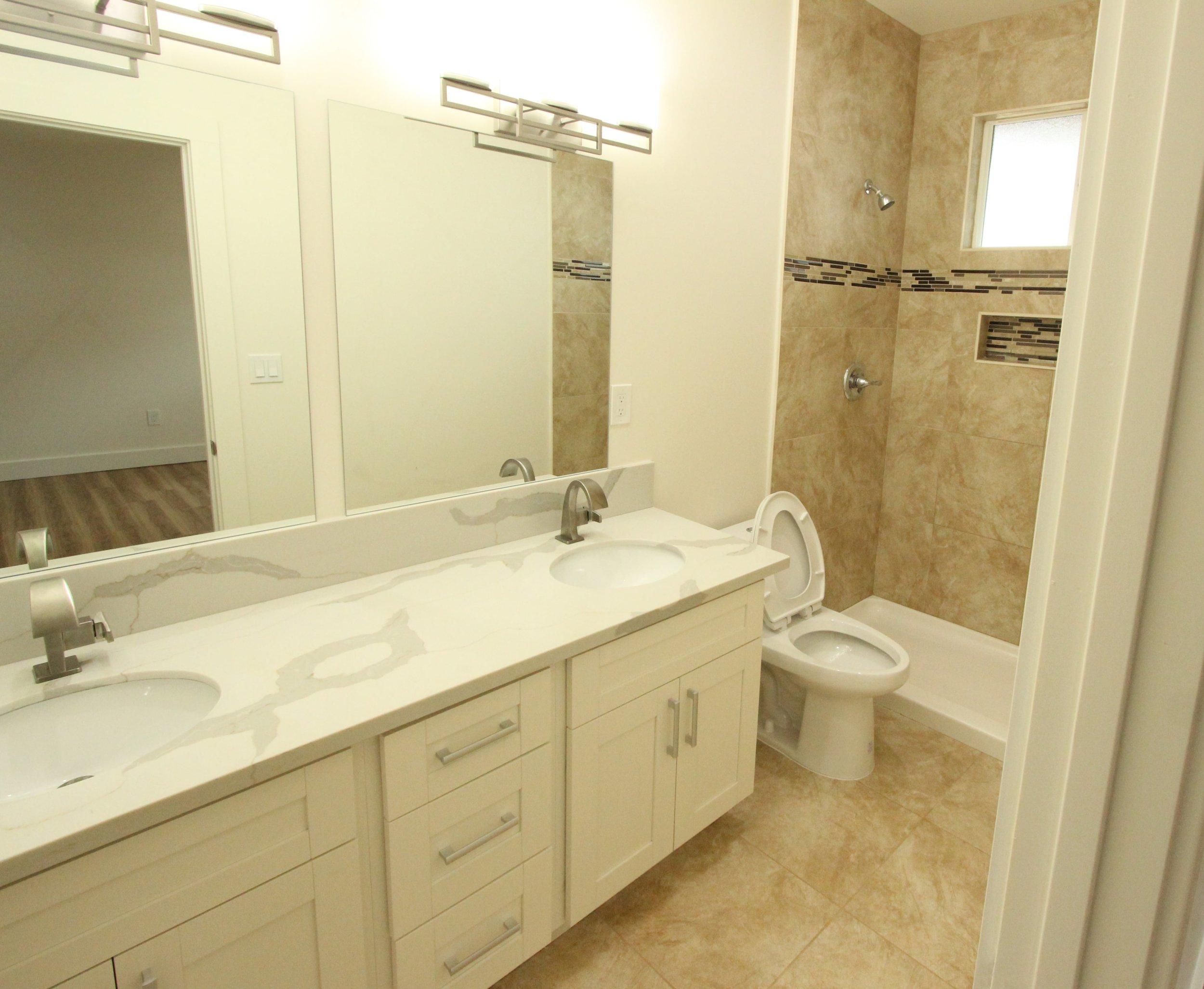 Bathroom 5.jpg