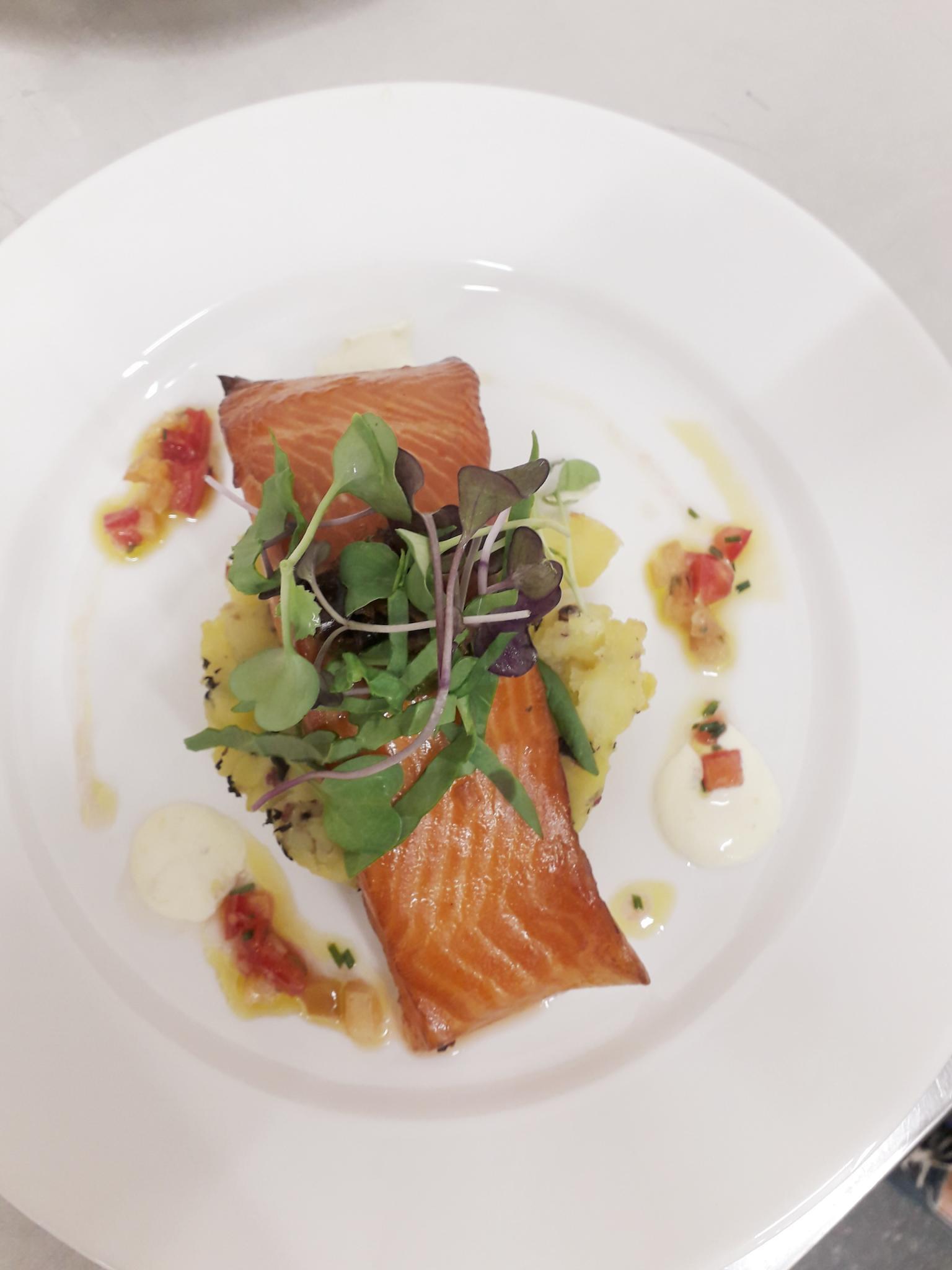 set-menu-salmon-plate.jpg