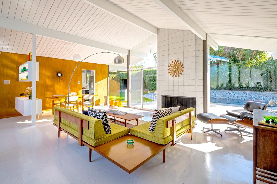 livingroom2_bright.jpg