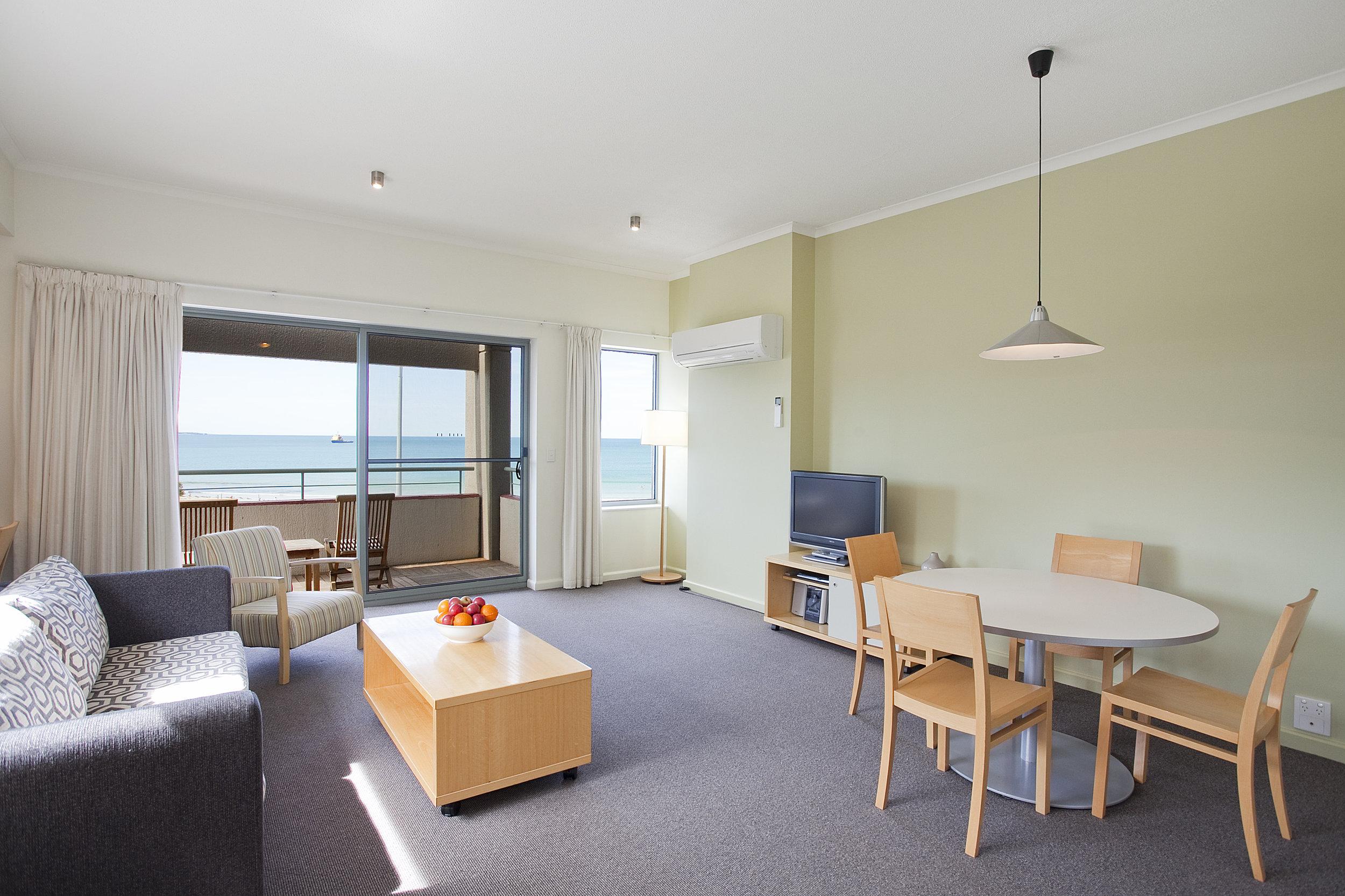 penthouse lounge.jpg