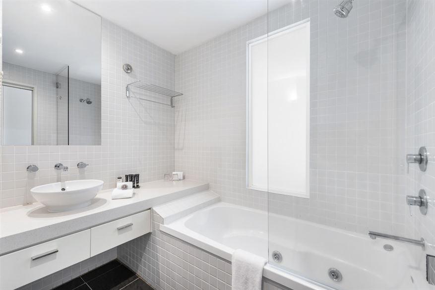 Mantra-Lorne-Resort-Room-n1.t72154.jpg
