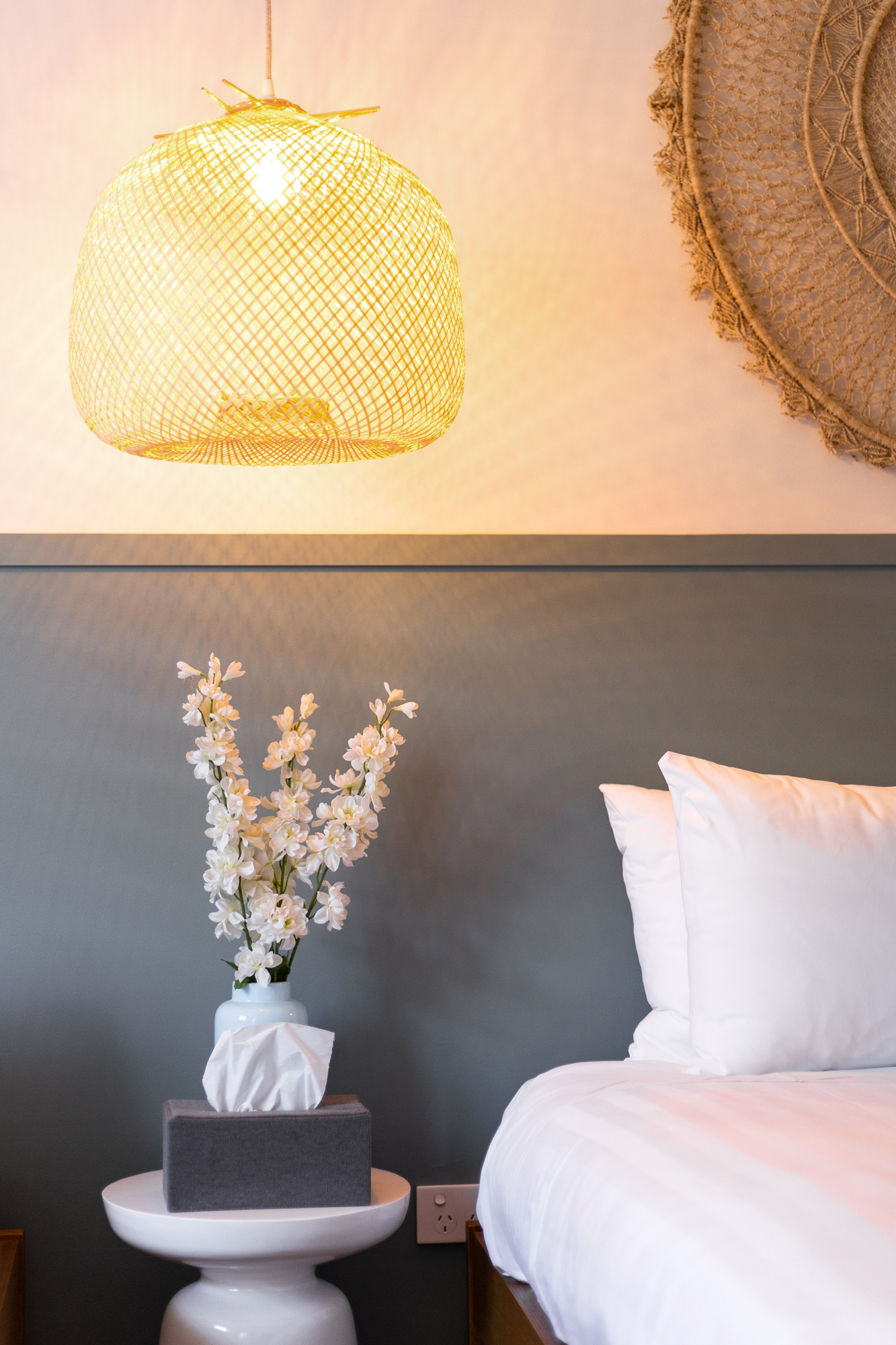 lorne_hotel_hotel_room_bedside_2.jpg