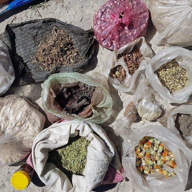 Afghan - Tajik bazar -