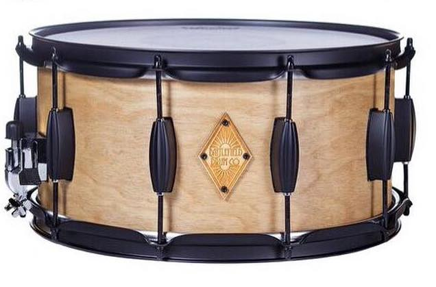 Natural Maple Finish with Beaver Tail Lugs - Hardware Powder Coated in black