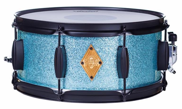 Turquoise sparkle - black powder coated hardware
