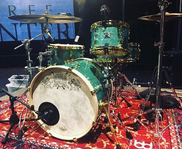 @erikjohnsonmusic playing his gorgeous new Battlefield drumset tonight!