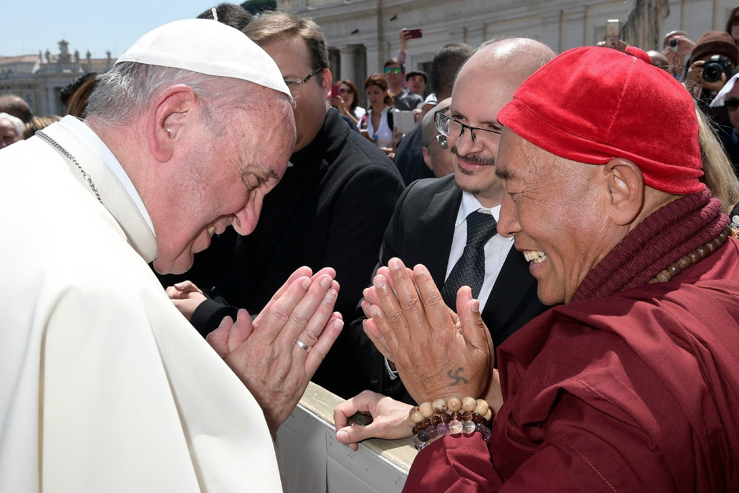 HsinTao_and_Pope.jpg