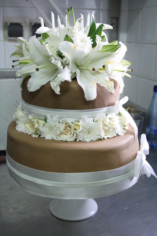 riad-zamzam-marrakech-spa-morocco-luxury-holiday-hotel-events-cakes-wedding-birthday-moroccan-special-occasion-celebrate-party-003.jpg