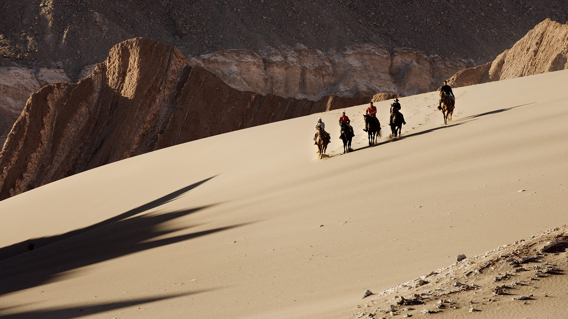 Atacama-Cabalgatas-Huge-sand-dunes-in-Moon-Valley-eXPLORA.jpg