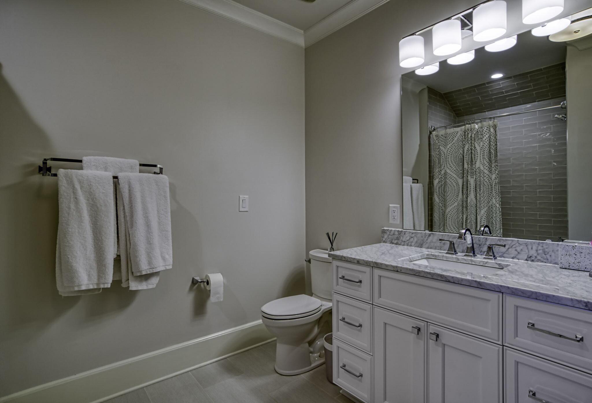 31-web-or-mls-4900 Carmel Park Dr Bedroom Bath 1.jpg