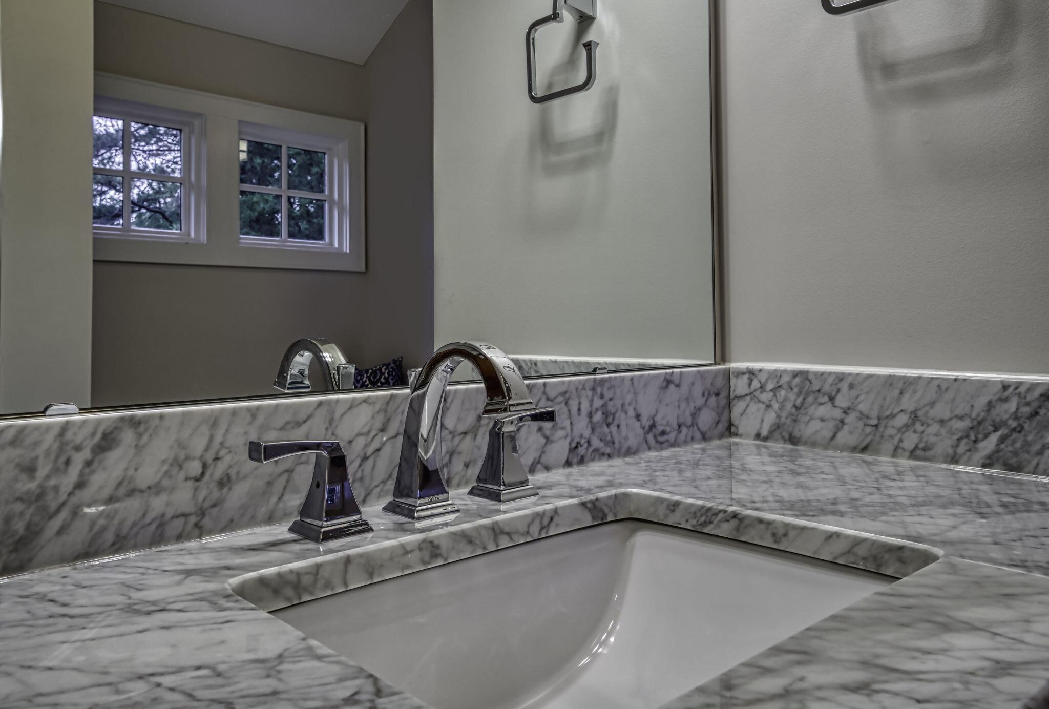32-web-or-mls-4900 Carmel Park Dr Bedroom Bath 2.jpg