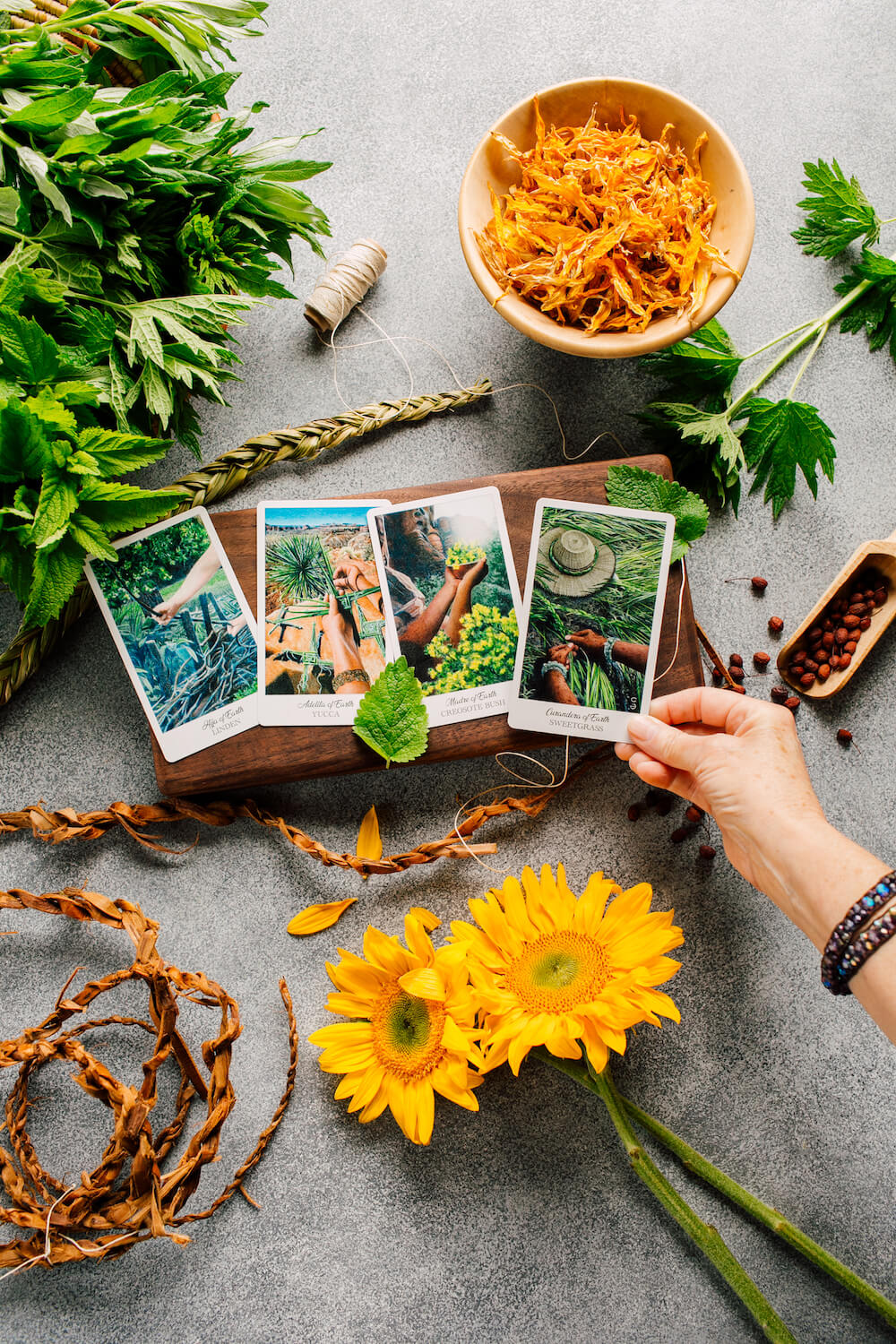 The Herbcrafter's Tarot - Earth