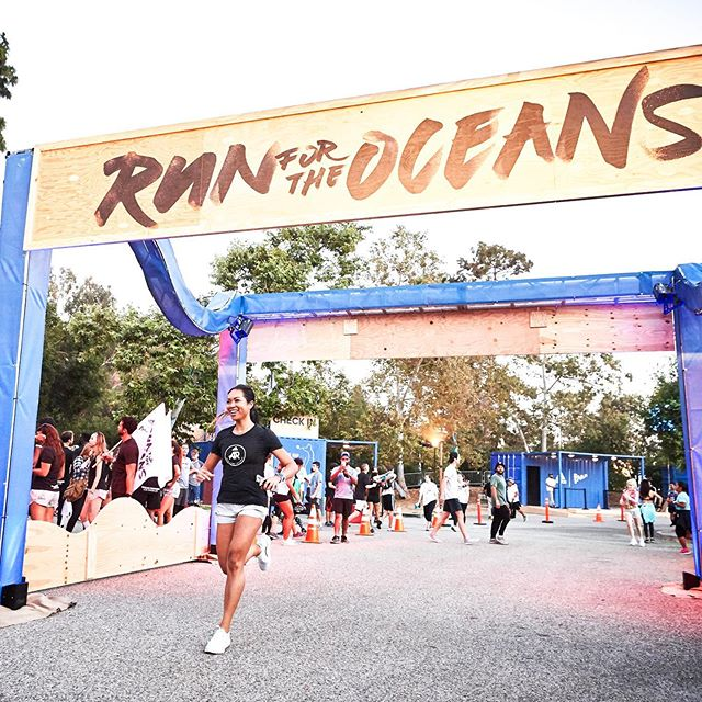 It's crazy to think that it's been a whole year since I started my journey as an adidas Runners Captain. And it all started here, at Run For the Oceans. We're doing it again this year, in Venice tomorrow (it's officially sold out, so DM me if you want to come!). For every 1 km @adidasrunning will donate $1 to the @parley.tv foundation (use link in bio to link your account so YOUR miles count). Did you know that every piece of plastic ever created still exists in some form? Plastic does not go away. 😭 That's why Adam and I have decided that for however long we can, we are going to dedicate one week a month to being single use plastic-free. I know it's going to be tough, but we're already prepping for it in little ways. We start this Sunday. Who's in?! ♻️🙋🏽‍♀️ #RunForTheOceans #adidasRunning #adidasRunners @adidasrunners #adidasRunnersLA
