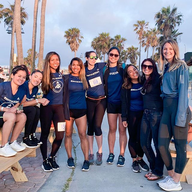 Just a bunch of babes running on a Friday night to save the oceans. 😍 #GRLPWR #RunForTheOceans