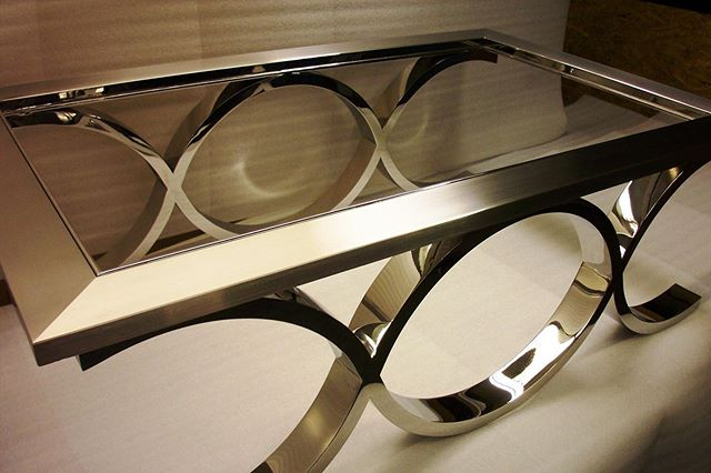 Infinity Stainless Steel Coffee Table . . . . . #metalworks #design #interiordesign #furniture #architecture #infinity #stainlesssteel #coffeetable