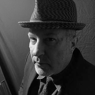 Kenn Goodman   Keyboards, Vocals  Born: Evanston, IL  Previously: The Service, New Duncan Imperials, Goldstars, Expo 76 (active)  Random Fact: Kenn's part time job in HS was tuning full-sized pipe organs