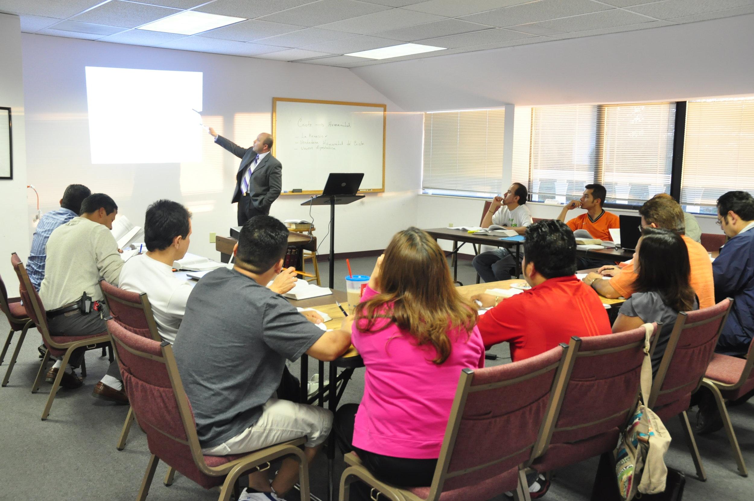 Spanish-speaking-Bible-training-class.jpg