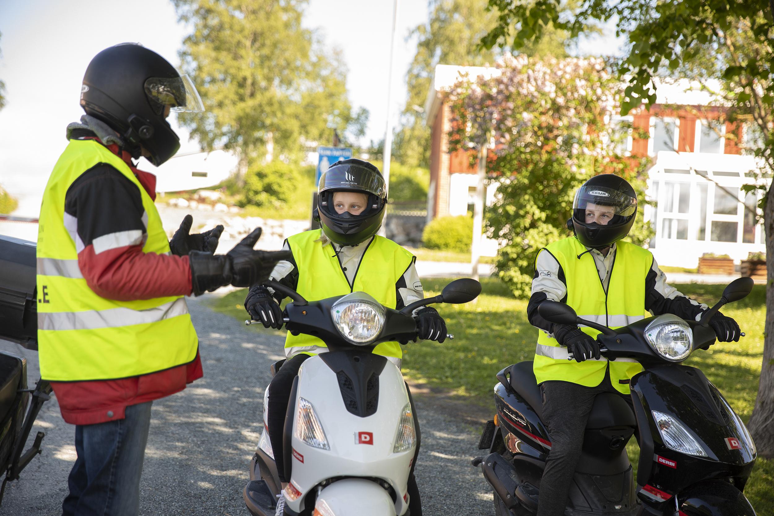 MOPEDOPPLÆRING: Vårtun Kristne Oppvekstsenter tilbyr mopedopplæring til alle 10. klassinger.