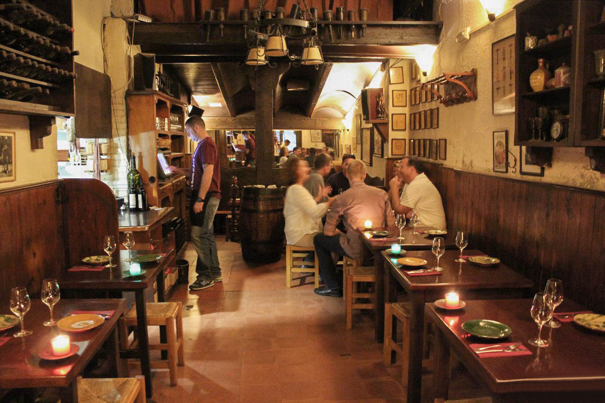 Taste Brcelona - group tasting experience.jpg