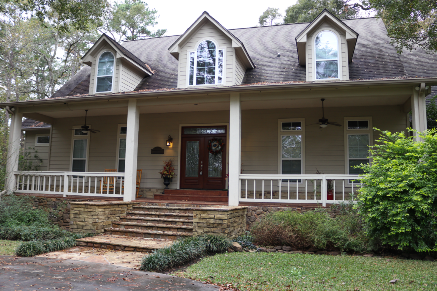 About - Redeemed owns and operates an 8-bed restoration house in the Houston area for women. The house is a place of healing and hope for the journey ahead. We have designed a program to the uniqueness of each individual.