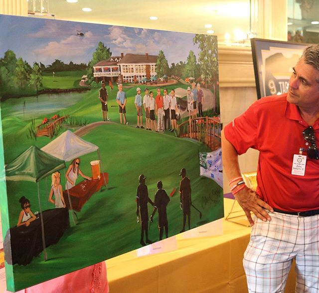 Checking out his live painting gifted to him for 15 generous years backing the @cbchs golf tournament - thank you all for giving art, and thank you @johnbommarito for helping script the future for many young men 🙏🏻💗🏌🏻♀️