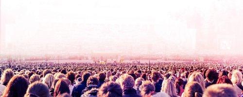 Pink-crowd-min-1.jpg
