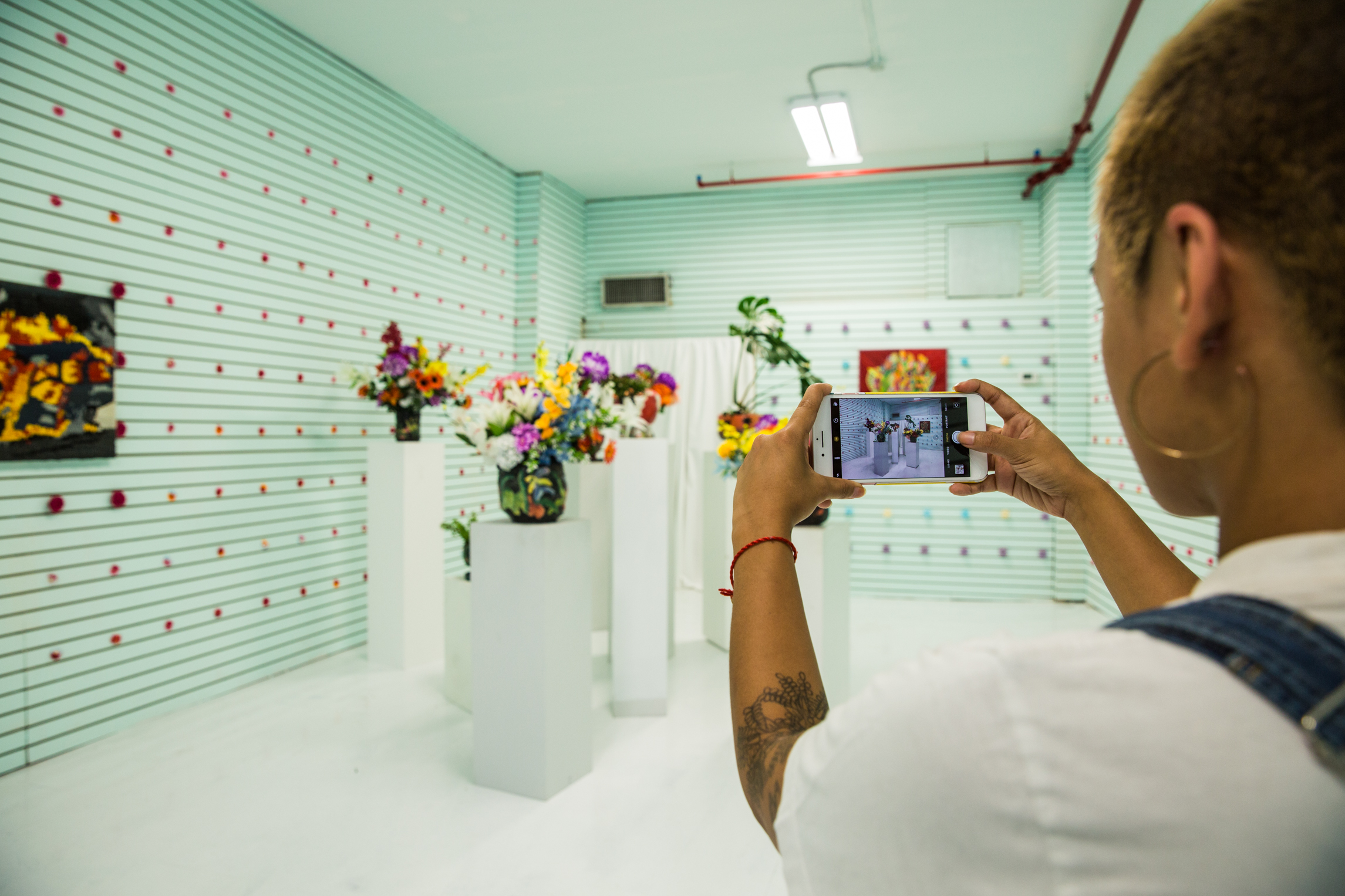 carolinelarsen-flowershop-theholeoncanal-072818-03.jpg