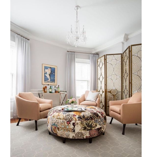 Minneapolis based designer @lilumpls has used our Jewels print to cover the ottoman it this glamorous project. The room featured here was an extra bedroom but now transformed into a happy-hour type lounge! 🍸🍹I think we can all agree this is a good use of space! Cheers @lilumpls for including us in this luxe project 🥂🍹#interiordesign #interiordecorating #interiors #decor #deco #glamour #luxury #textiles #jewels #fabric #print #homestyle #homedecor #homedecoration