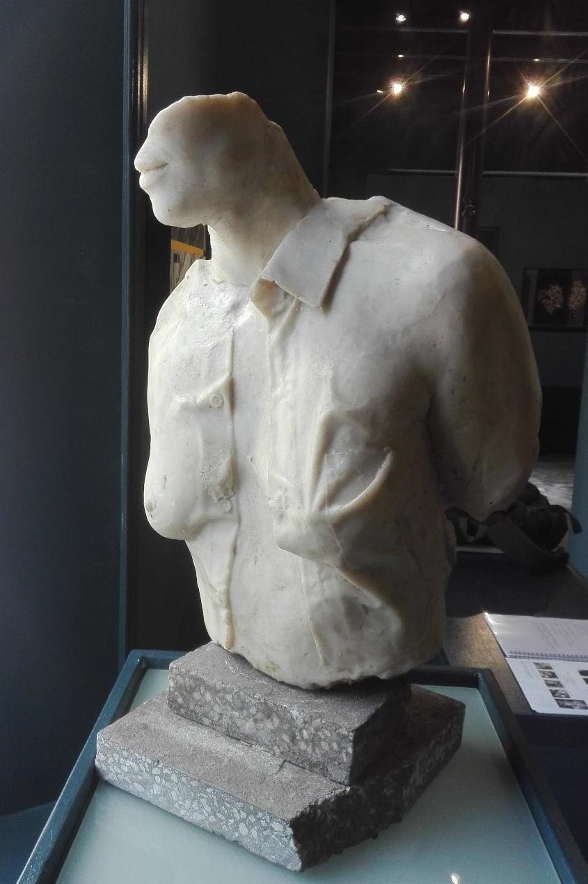 Thinking of Beauty - 2019Cast Marble500 mm (Height)20 000 ZAR