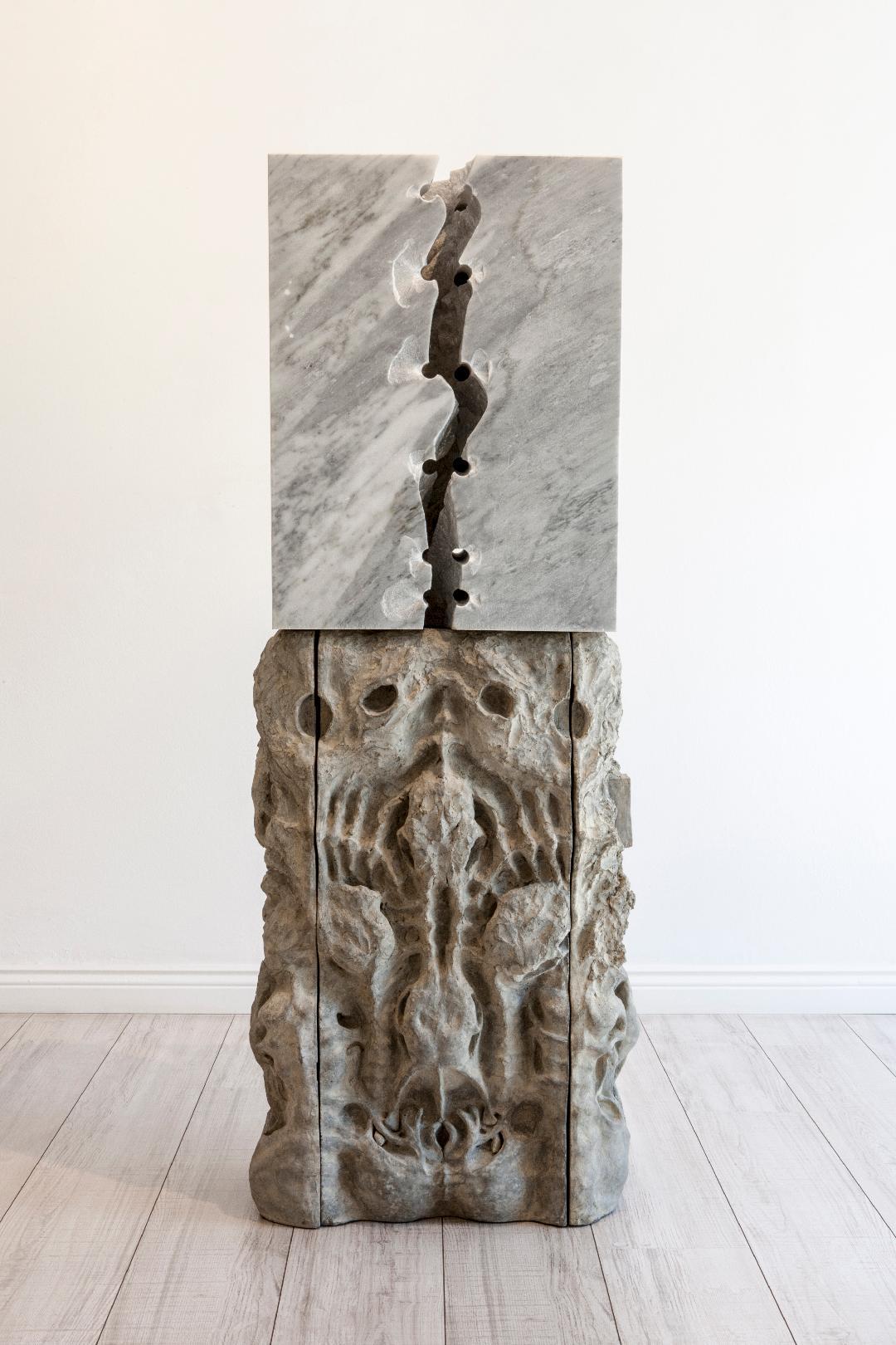 Missence - Carrara Marble and Iron300 x 600 x 1400 mm78 700 ZAR