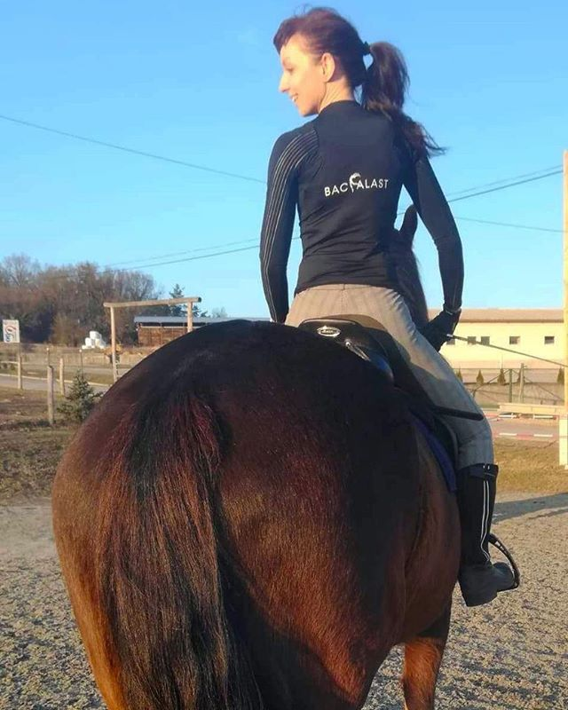 Marcela Adacova from Slovakia uses her Backalast while horse riding🏇🏻 and during Pilates exercises. 👍  Backalast is being used by ballet dancers, horse riders, hip hop, contemporary and ball room dancers too. How has the Backalast helped you? 😊  #backalast #posture #posturecorrector #posturecorrection  #posturecorrectorforwomen #posturecorrectorformen #posturejacket