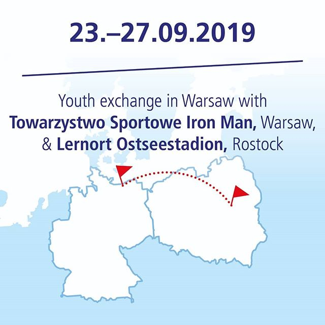 Today our European youth exchange project #kickforeurope starts in Warsaw with @soziale_bildung_ev and #towarzystwosportoweironman 🇪🇺 #kickforeurope brings young people together to exchange and learn about democratic values in Europe. We wish the participants a lot of fun and a wonderful week. #kickforeurope #civiceducation #youthexchange #workshops #tolerance #respect #fairplay #learningthroughfootball  #football @auswaertigesamt #allianzkulturstiftung @tuistiftung