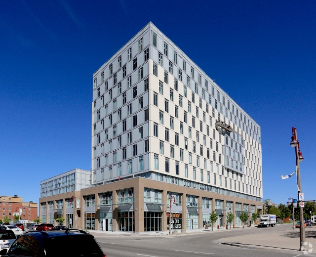 100 Bond Street East - Mid-RIse Rental Apartment Building | 100 Bond Street East, Oshawa
