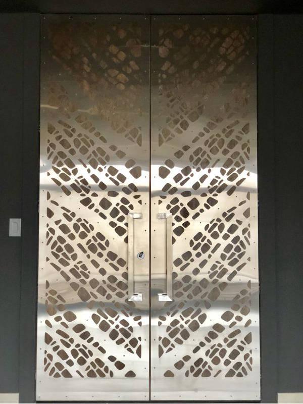 filonenko-front-door-2-600x800.jpg
