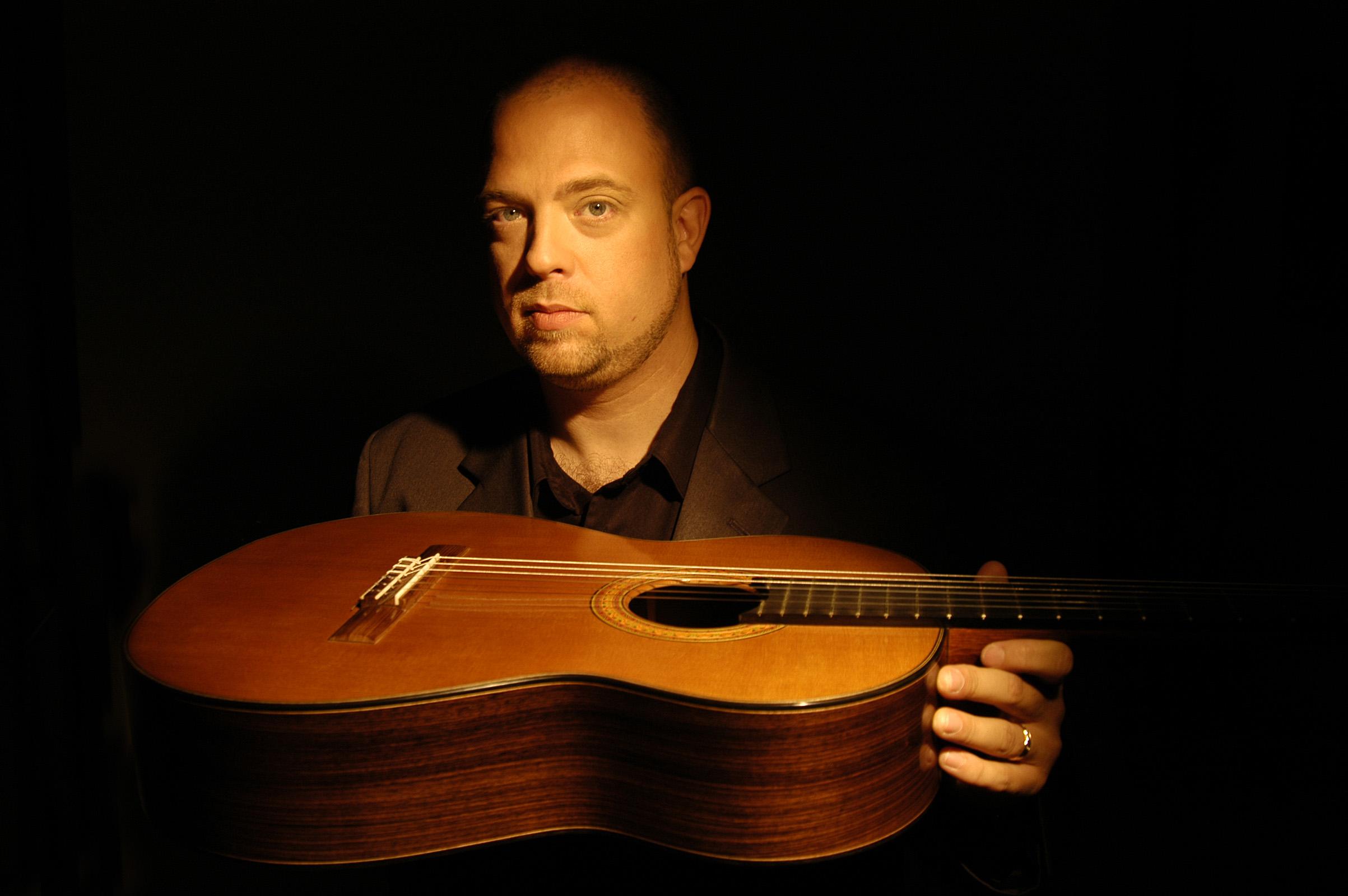 Chuck Hulihan Guitar1134.jpg