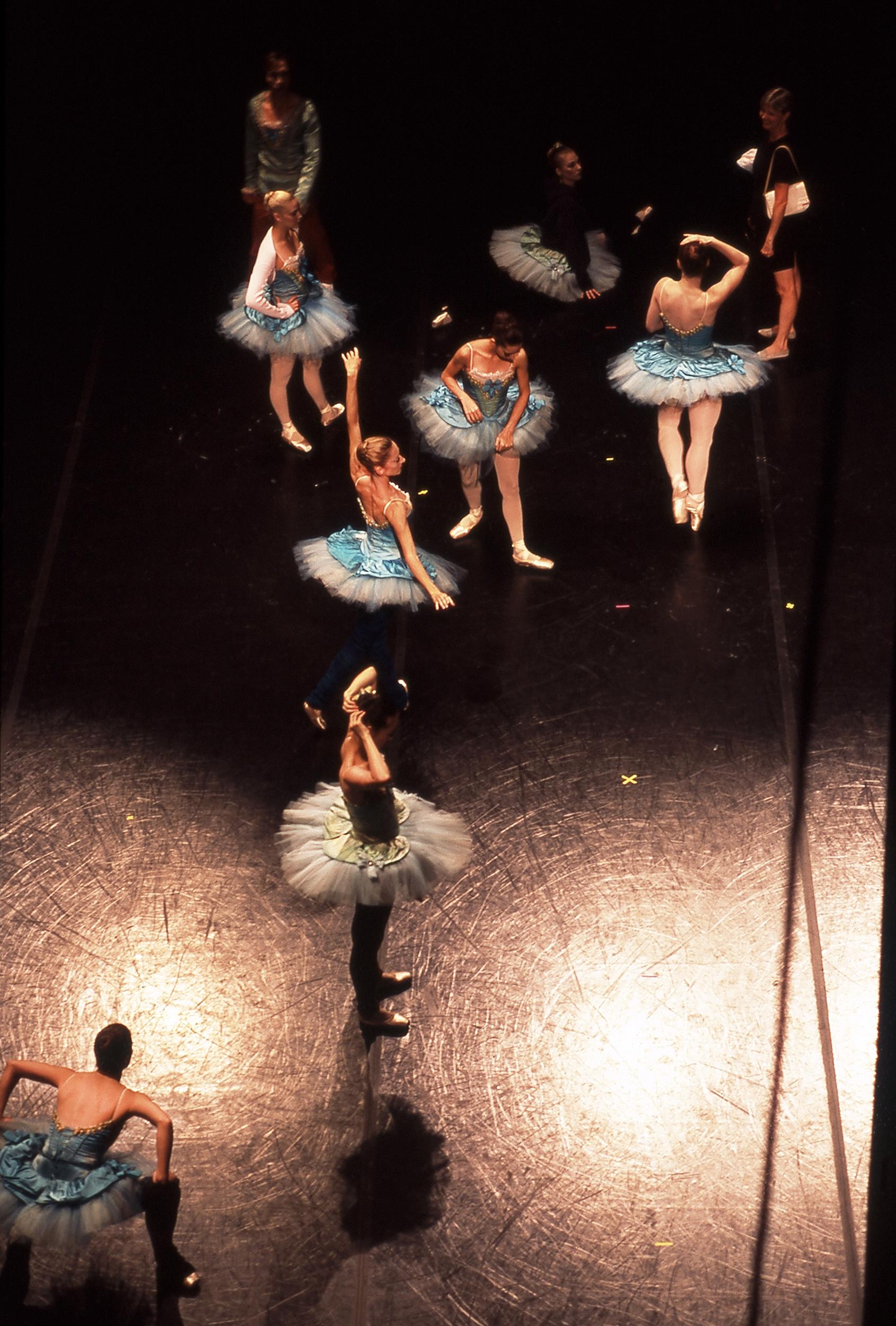 WEB_Ballet_Scene from above.jpg