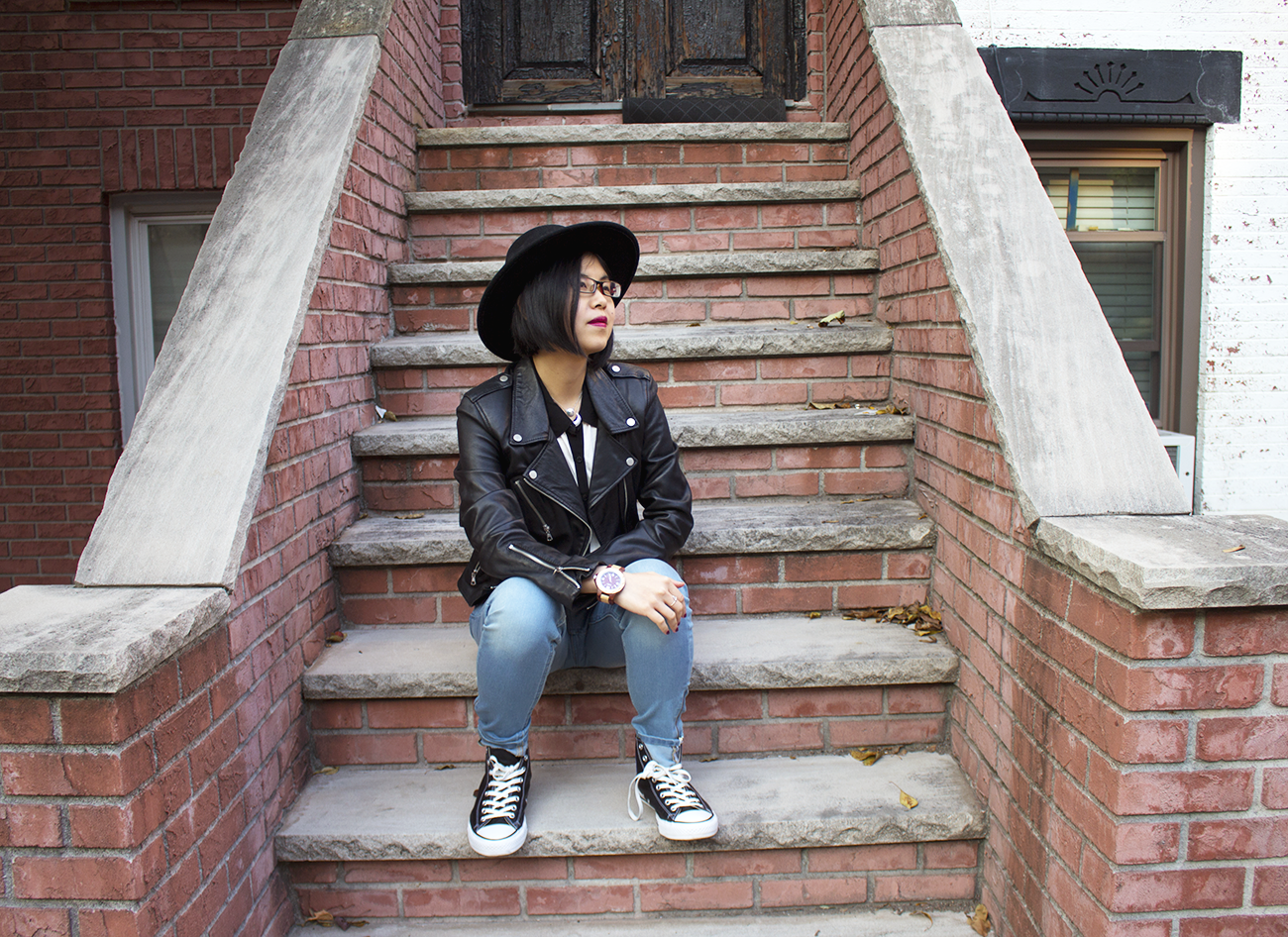 Maplewood & sandalwood JORD watch styled with a cool fall outfit featuring ZARA leather jacket, jeans, hat, and Converses